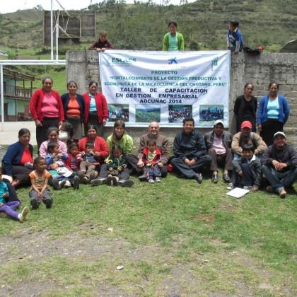 Cooperantes de la Obra Social La Caixa y ESCAES, realizan capacitación a Productores/as Agropecuarios/as