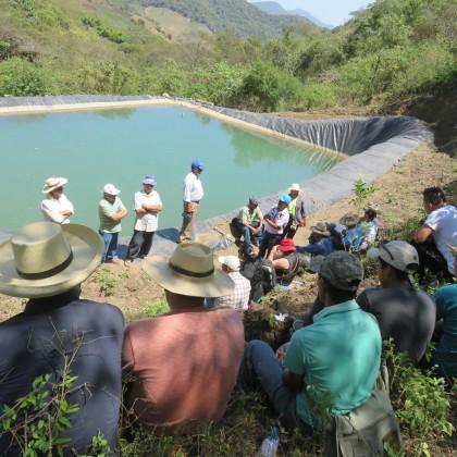 """""""EL AGUA INTEGRA PUEBLOS FRONTERIZOS"""". Intercambio de experiencias entre  dirigentes de las Juntas de Agua para consumo humano JASS y riego  de las AREAS DE DESARROLLO TERRITORIAL – ADTs Proyecto """"Chinchaysuyo"""" Ecuador y Perú."""